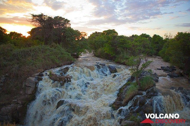 Awash falls in the evening (Photo: Tom Pfeiffer)