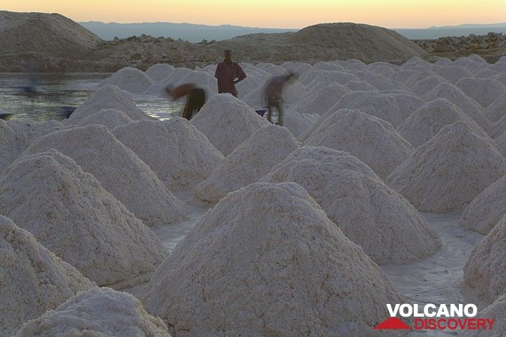 Piles of salt from a saline at Lake Afrera. (Photo: Tom Pfeiffer)