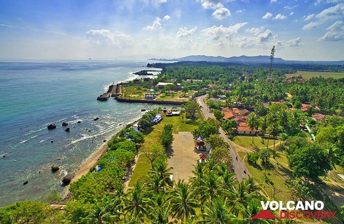 View from the lighthouse of Anyer on the coast of Java (Photo: Tobias Schorr)