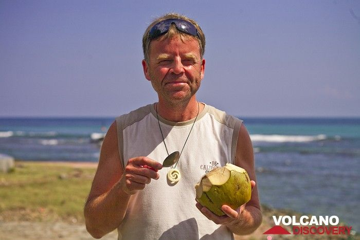 Markus enjoying a fresh coconut (Photo: Tobias Schorr)