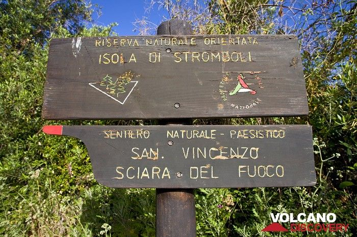 National park sign on stromboli island (Photo: Tobias Schorr)