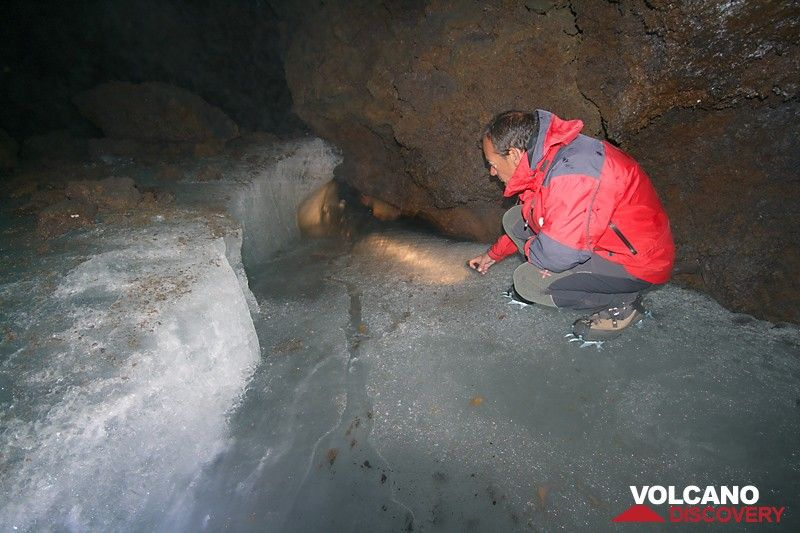Meltwater channel disappearing in the lava tube (Photo: Marco Fulle)