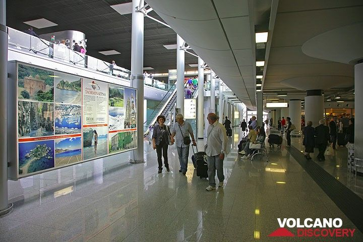 The new arrival terminal of the international airport of Catania (Photo: Tom Pfeiffer)