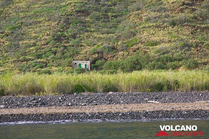 Isolated house at Punta Lena (Photo: Tom Pfeiffer)