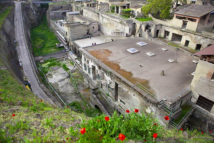 The excavations of the Roman town of Ercolaneo buried by pyroclastic flows from Vesuvius volcano in the 79 AD eruption. (Photo: Tom Pfeiffer)
