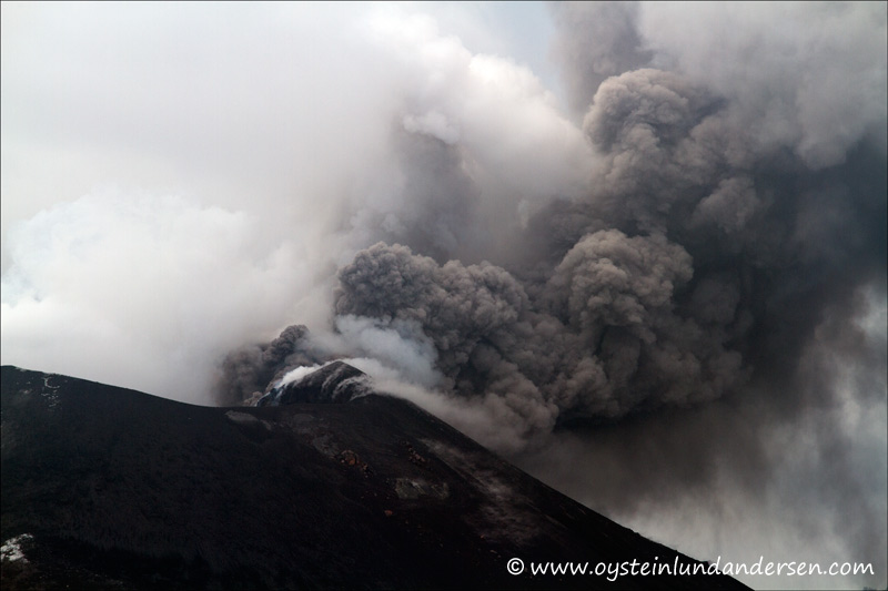 Krakatau-April-2012-x9.jpg