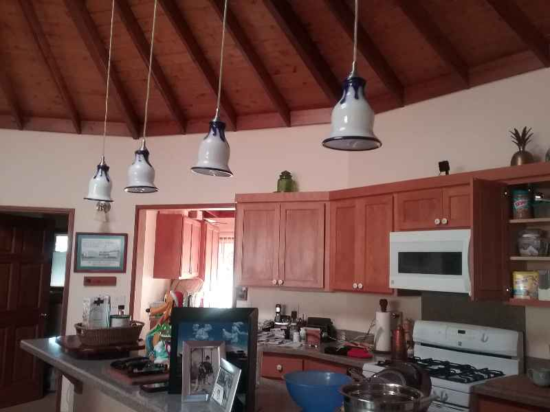 Pendant lights swinging 5 minutes after shaking stopped (public domain)