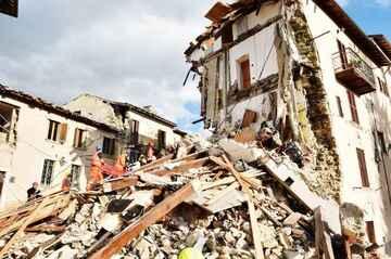 Earthquake (public domain)