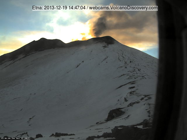 Ash emission from Etna's NE crater this afternoon