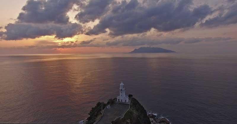 Evacuated Kuchinoerabu-jima island seen from Yakushima last summer (image: Peter Majtan)