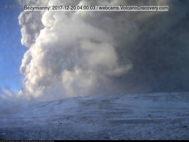 Massive explosion at Bezymianny volcano this morning (KVERT webcam)