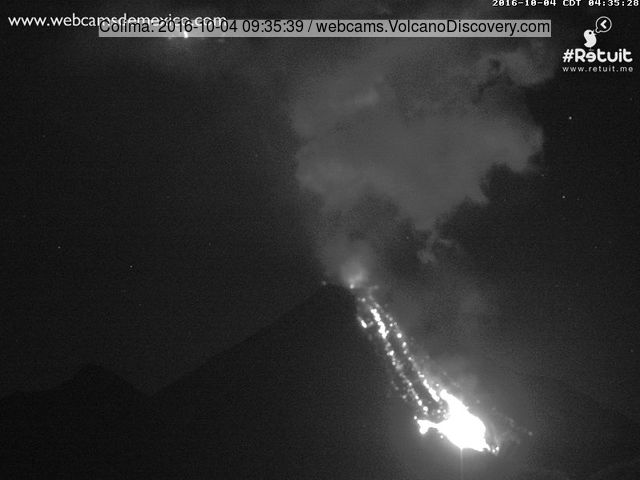 Colima volcano's lava flow this morning