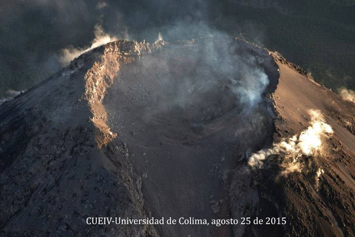 Aerial photo of Colima's crater on 25 Aug, now approx. 60 m deep (photo: Carlos Navarro / Universidad de Colima)