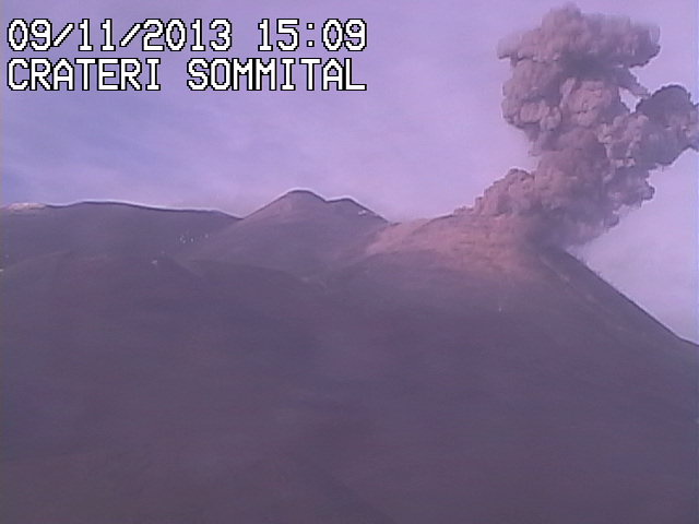 Explsion from Etna's New SE crater this afternoon
