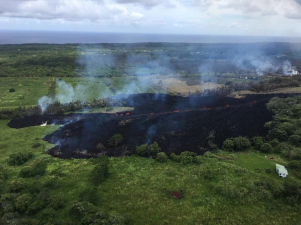 Lava flow from fissure #17 yesterday at 14:00 local time (view is towards S from near Hwy 132) (image: HVO / USGS)