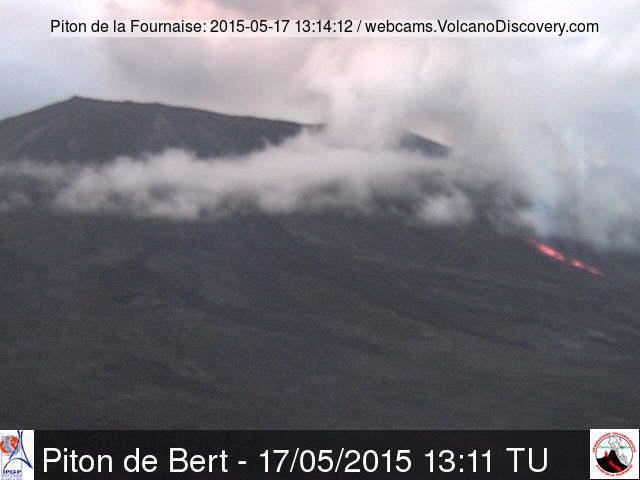Fissure eruption at Piton de la Fournaise today