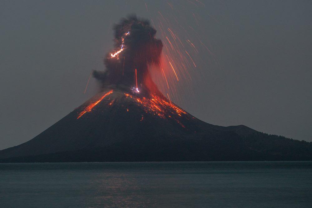 Klimawandel - Seite 2 Krakatau-oct-mrietze_02