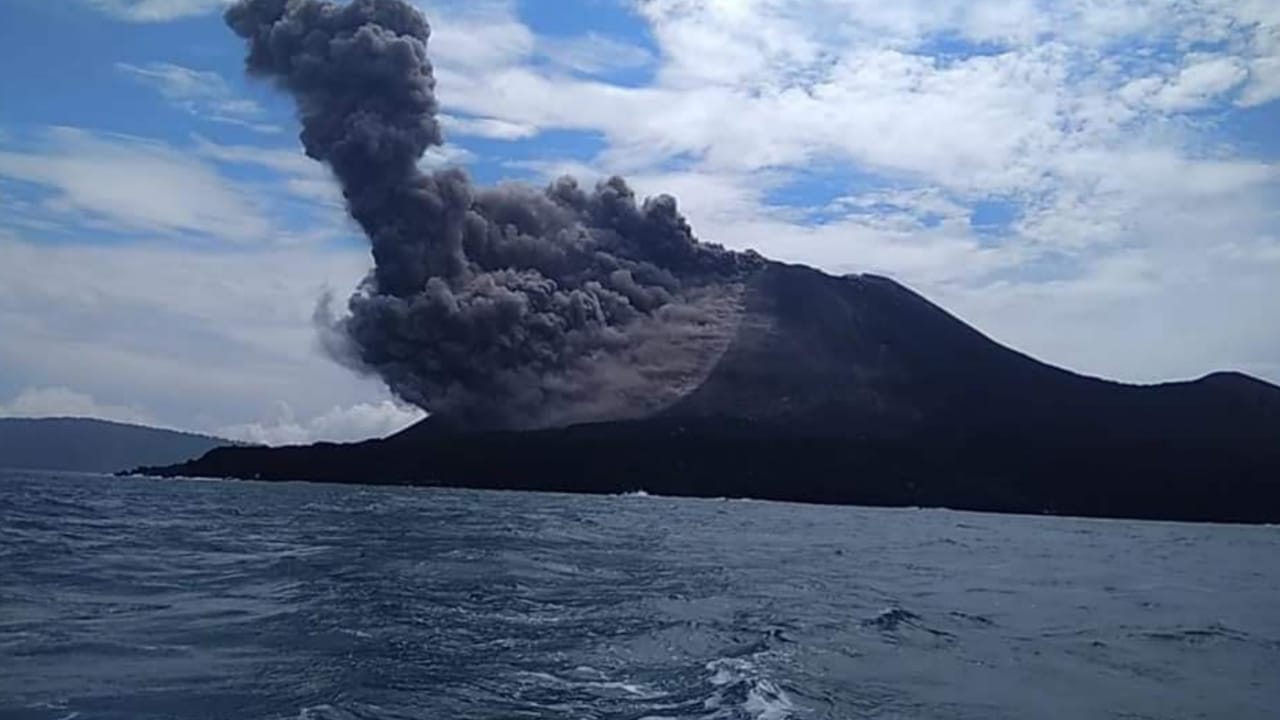 Eruption From Anak Krakatau This Morning Photo From Andis Local Guide And Friend In Carita