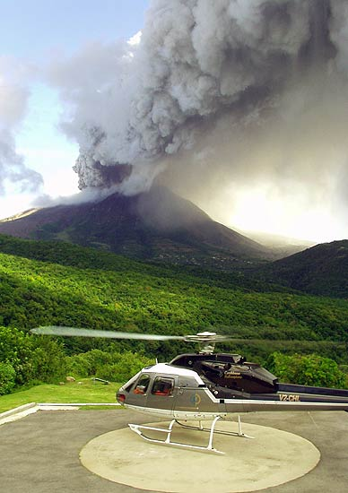 Ash venting of Soufrière Hills on 11 Feb. 2006 (photo: Roy and Lottie from Travellers Palm)