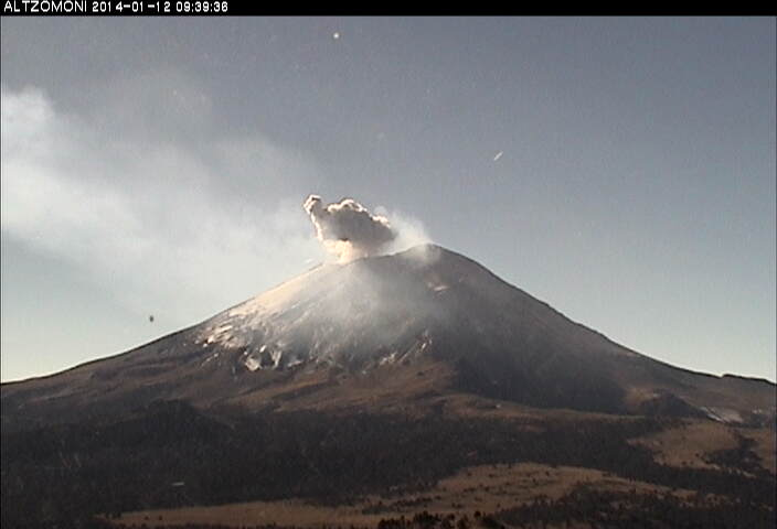 Small ash emission from Popocatépetl yesterday