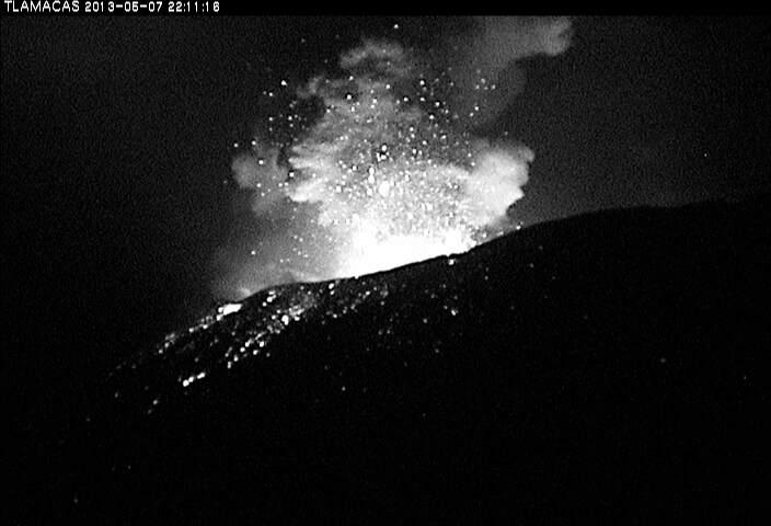 Explosion from Popocatépetl this night