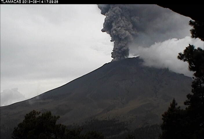 Eruption plume from Popocatepétl yesterday
