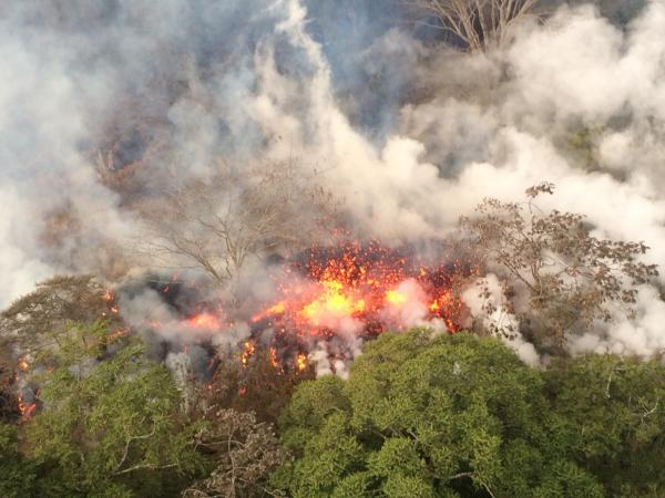 Short-lived eruption of a new fissure (#21?) northeast of Leilani, between fissures #16 and #20