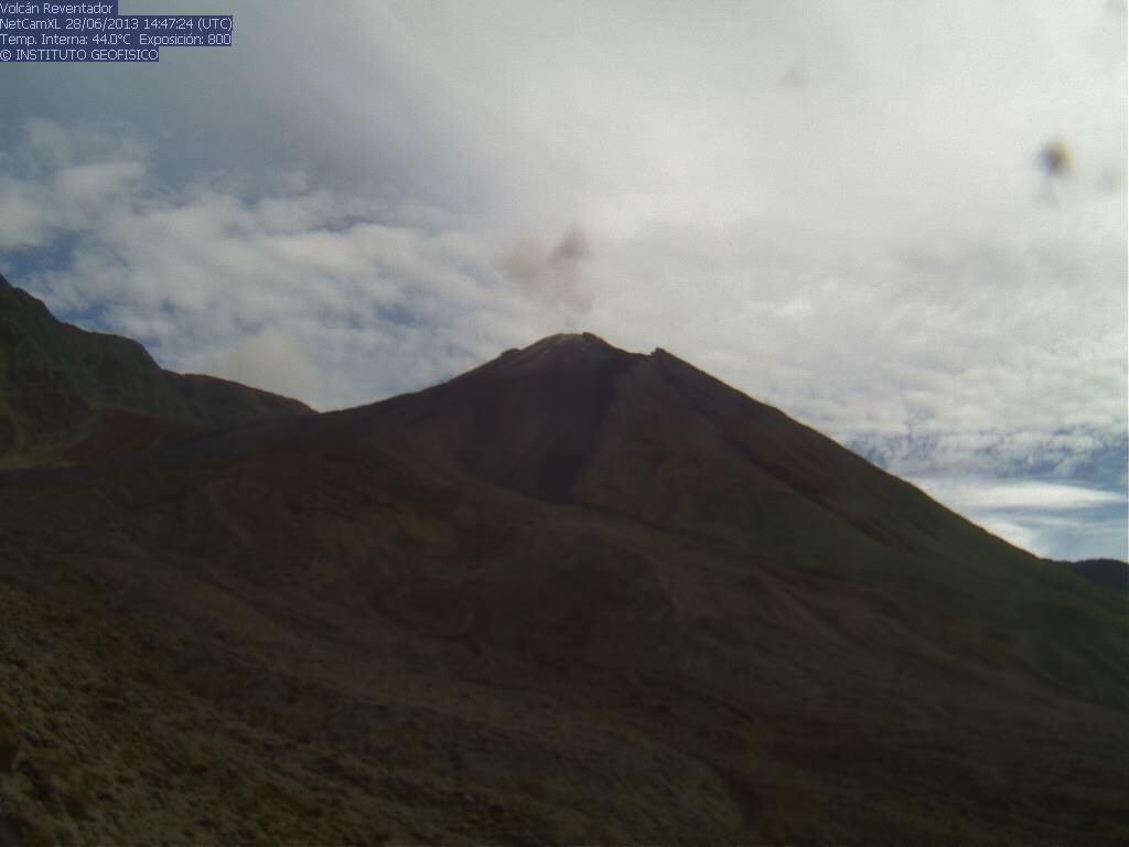 Current webcam view of Reventador (IGPEN)