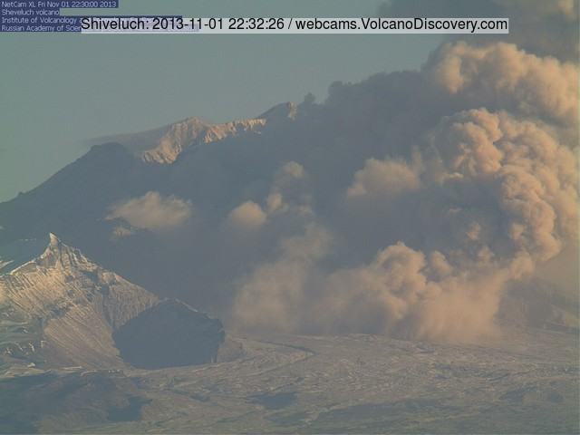 First of the two pyroclastic flows yesterday at Shiveluch