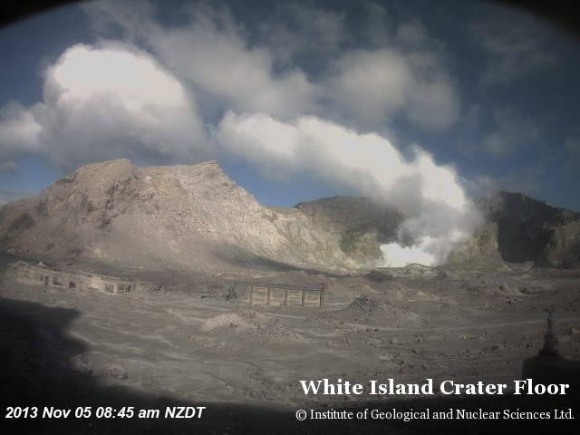 Current webcam image of White Island (GeoNet)