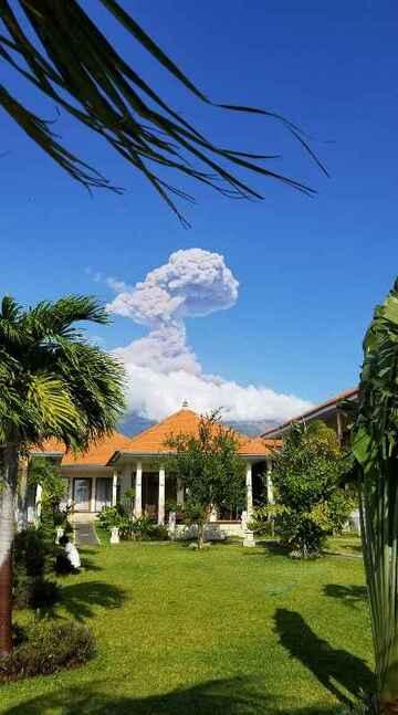 Mount Agung (public domain)